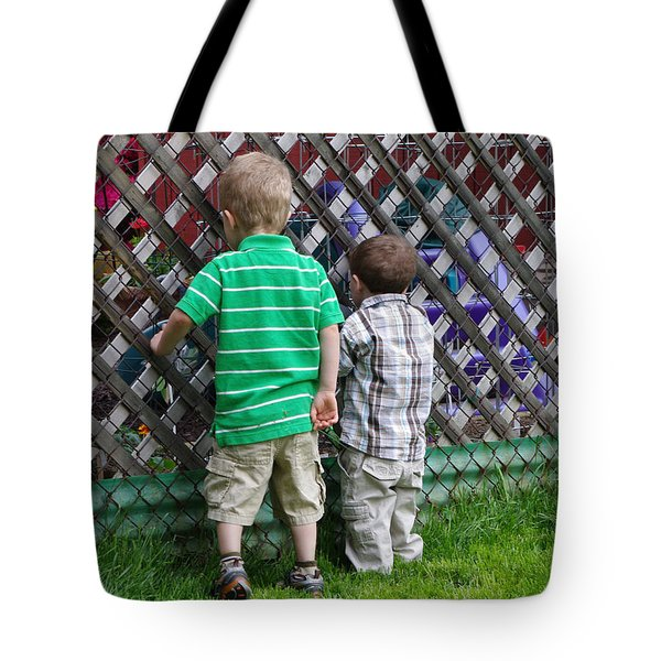 Tote Bag featuring the photograph Kurious Kids by Greg Graham