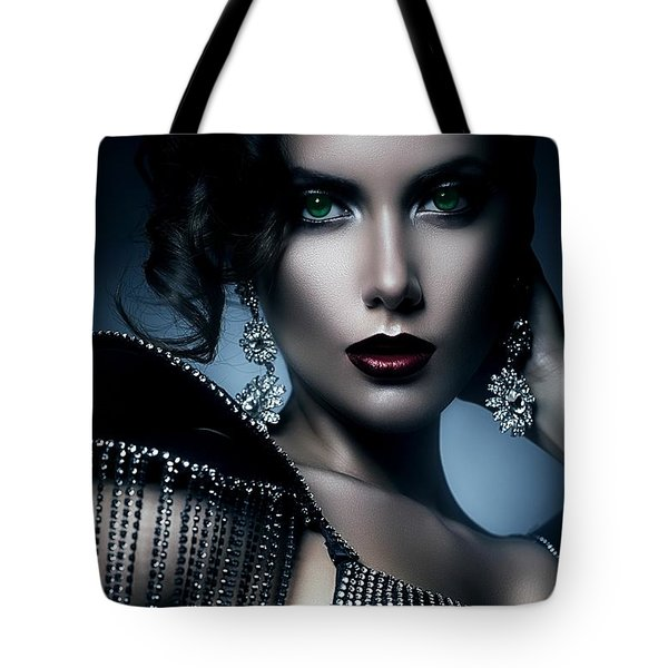 Lady Green Eyes Tote Bag
