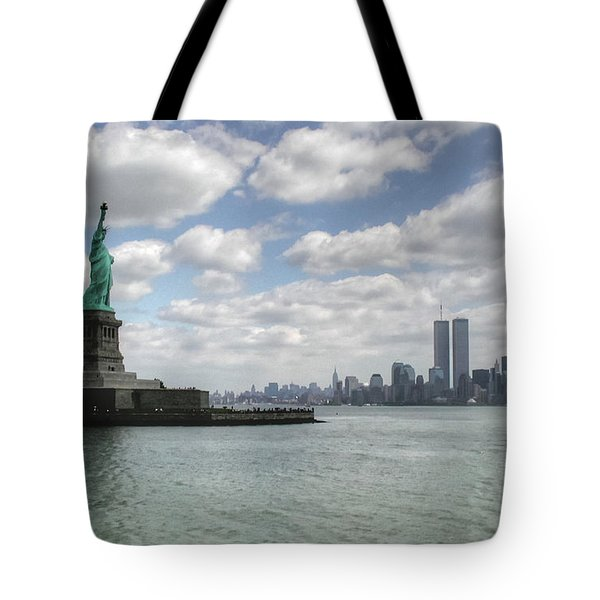 Lady Liberty And New York Twin Towers Tote Bag