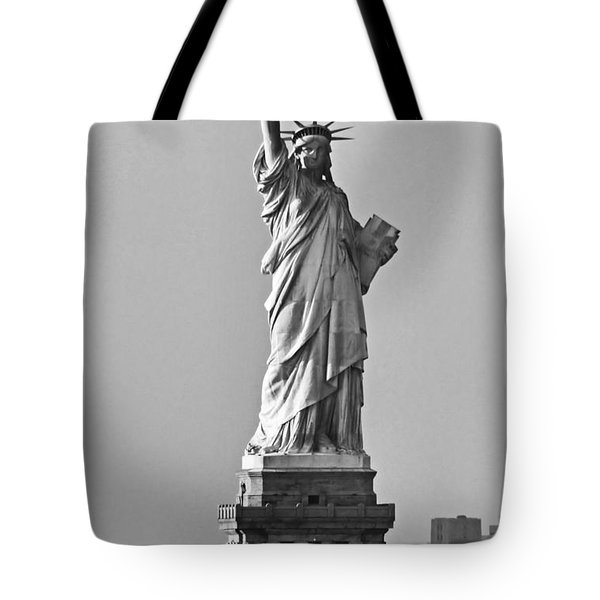Lady Liberty Black And White Tote Bag
