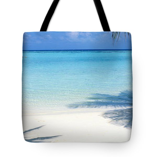 Laguna Maldives Tote Bag