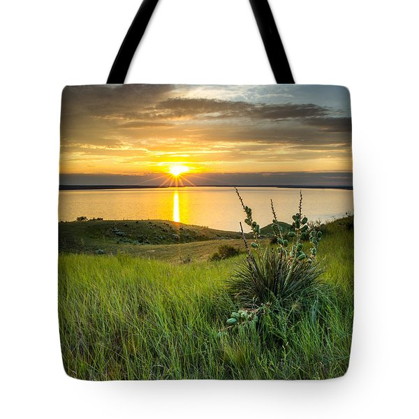 Lake Oahe Sunset Tote Bag