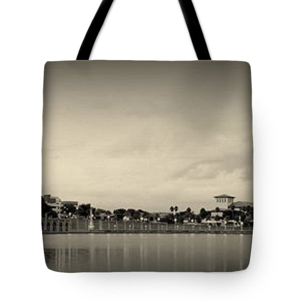 Tote Bag featuring the photograph Lakeland by Laurie Perry