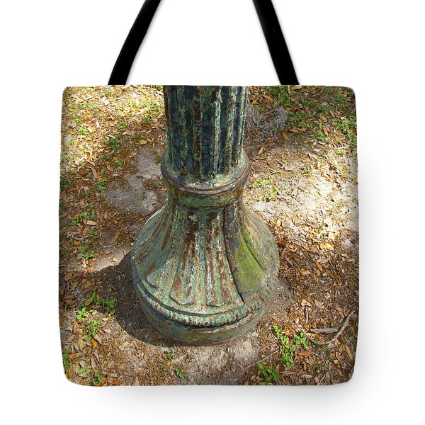 Tote Bag featuring the photograph Lamp Post by Beth Vincent