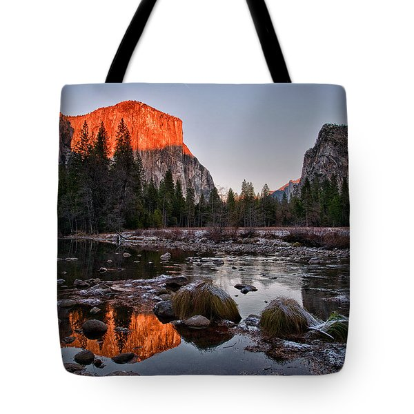 Last Light At Valley View Tote Bag by Cat Connor