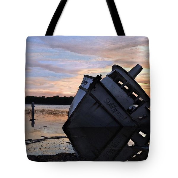Tote Bag featuring the photograph Last Resting Place by Laura Ragland