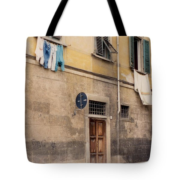 Laundry Day In Verona Tote Bag by Suzanne Gaff