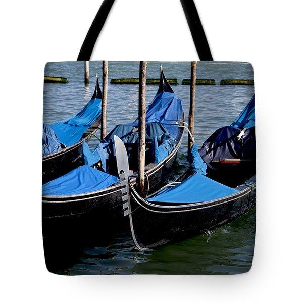 Gli Gondole Tote Bag