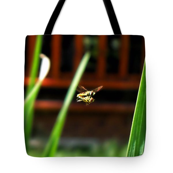 Tote Bag featuring the photograph Leave No Bee Behind by Thomas Woolworth