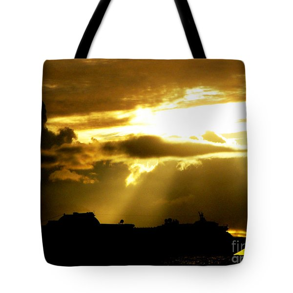 Tote Bag featuring the photograph Leaving Kona by David Lawson