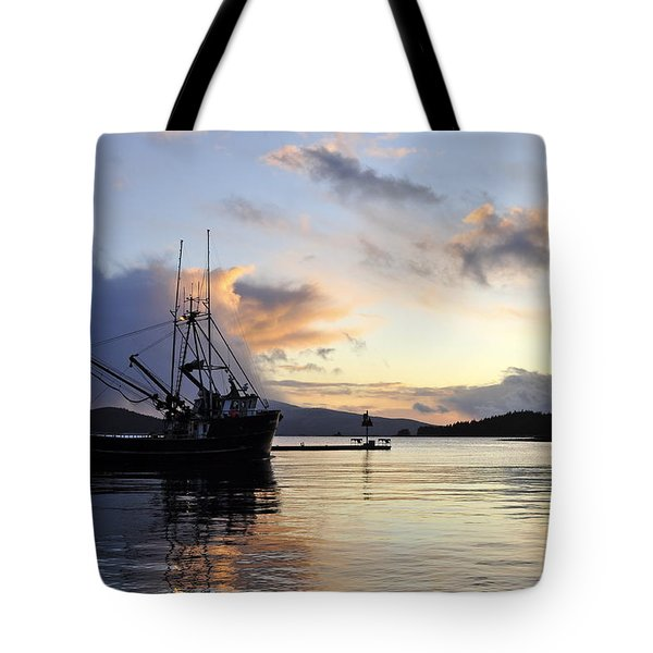 Tote Bag featuring the photograph Leaving Safe Harbor by Cathy Mahnke