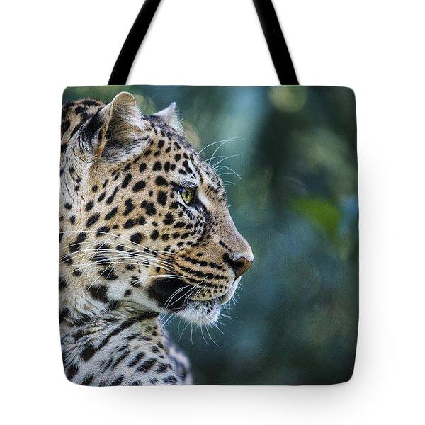 Leopard's Look Tote Bag