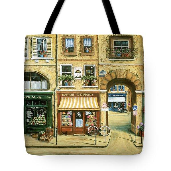 Les Rues De Paris Tote Bag