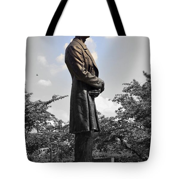 Lincoln At Lytle Park Tote Bag