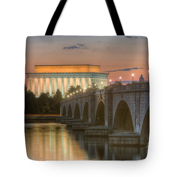 Lincoln Memorial And Arlington Memorial Bridge At Dawn I Tote Bag