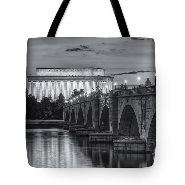 Lincoln Memorial And Arlington Memorial Bridge At Dawn II Tote Bag