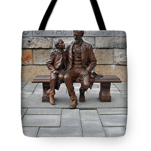 Lincoln Mounment At Civil War Tredegar Iron Works Tote Bag