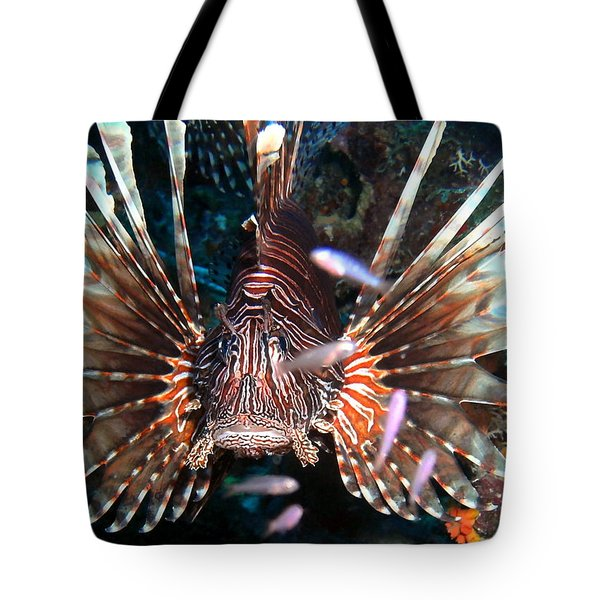 Tote Bag featuring the photograph Lion Fish - En Garde by Amy McDaniel