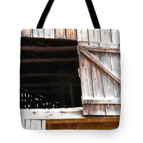 Tote Bag featuring the photograph Lofty Hieghts by Nick Kirby