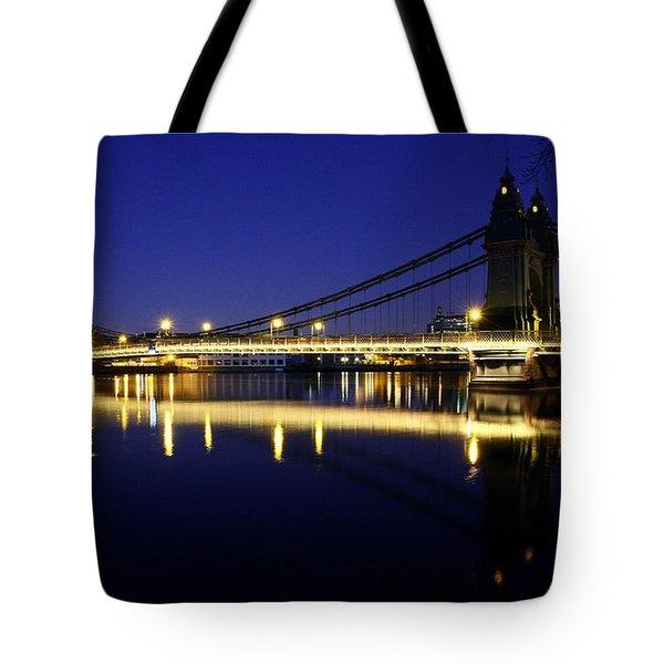 Tote Bag featuring the photograph London 11 by Mariusz Czajkowski