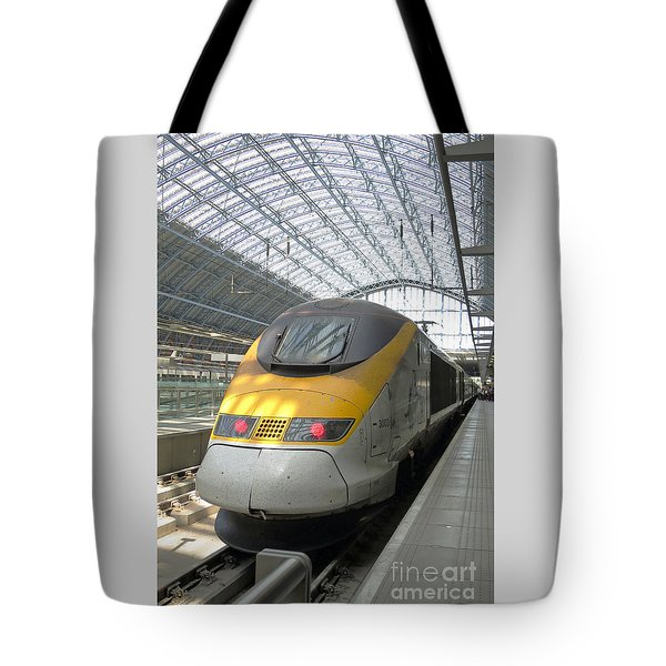 London Arrival Tote Bag