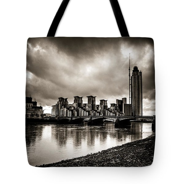 London Drama Tote Bag