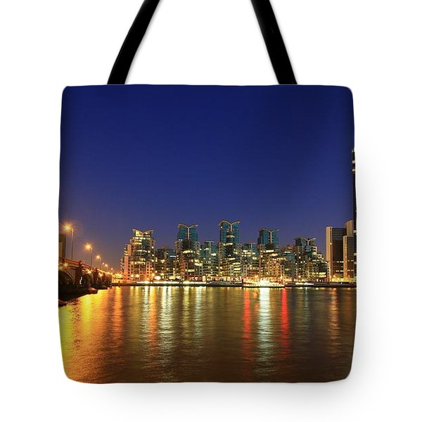London Night Tote Bag by Mariusz Czajkowski
