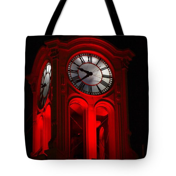 Long Beach Pine Ave. Clock Tower In Red Tote Bag