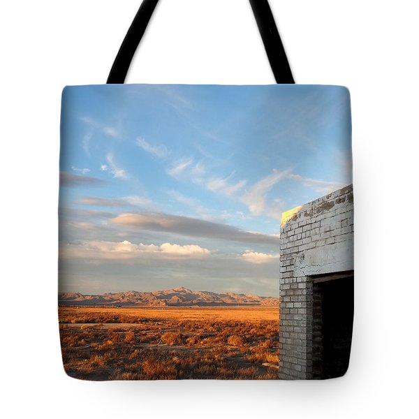Looking Northward Tote Bag by Glenn McCarthy Art and Photography