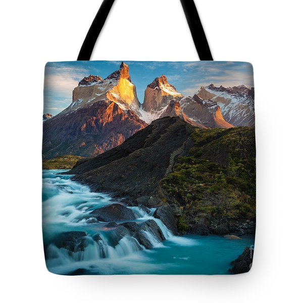 Los Cuernos Majesty Tote Bag