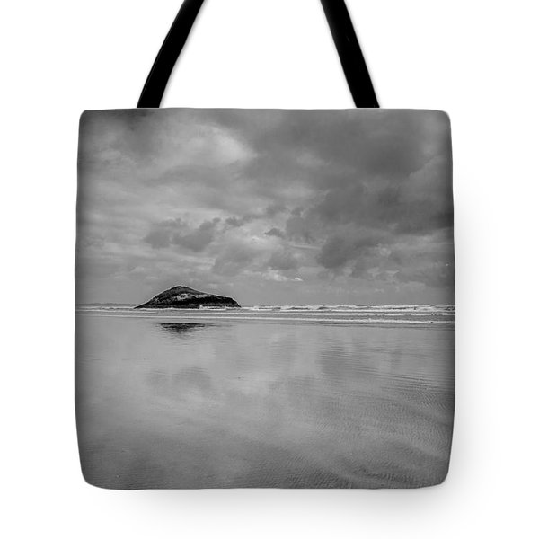 Love The Lovekin Rock At Long Beach Tote Bag