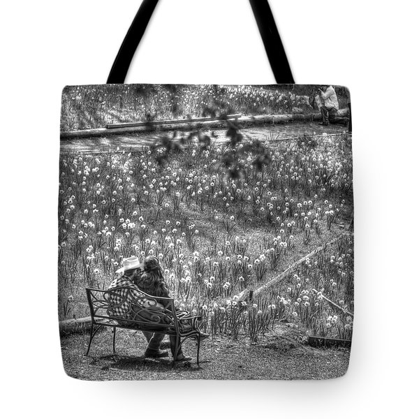 Lovers On Daffodil Hill Tote Bag