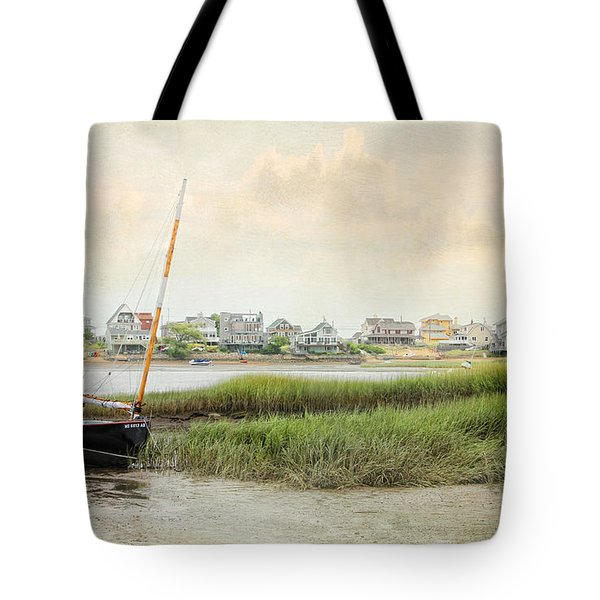 Low Tide On The Basin Tote Bag