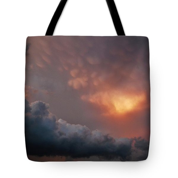 Mammatus At Sunset Tote Bag by Ed Sweeney