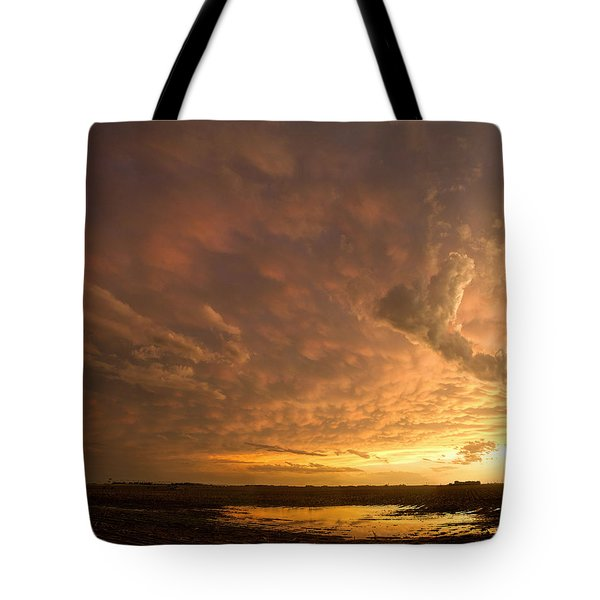 Tote Bag featuring the photograph Mammatus Clouds by Rob Graham