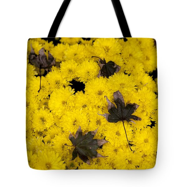 Maple Leaves On Chrysanthemum Tote Bag