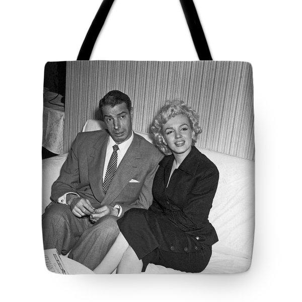 Marilyn Monroe And Joe Dimaggio Tote Bag