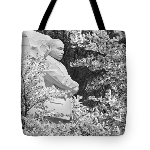 Martin Luther King Memorial Through The Blossoms Tote Bag