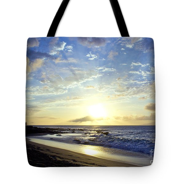 Tote Bag featuring the photograph Maui Blast by Suzette Kallen