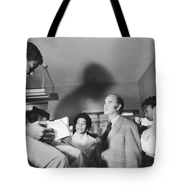 Mcgovern And Mrs. Coretta King Tote Bag by Underwood Archives