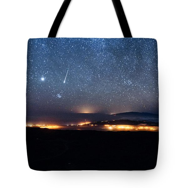 Meteor Over The Big Island Tote Bag