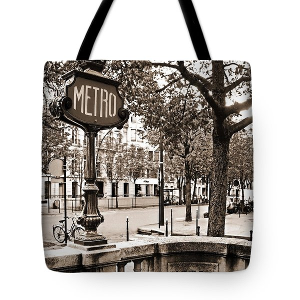 Metro Franklin Roosevelt - Paris - Vintage Sign And Streets Tote Bag