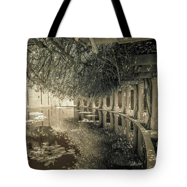 Miami Beach Lake 2 Tote Bag