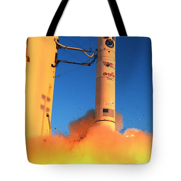 Minotaur Iv Rocket Launches Falconsat-5 Tote Bag by Science Source