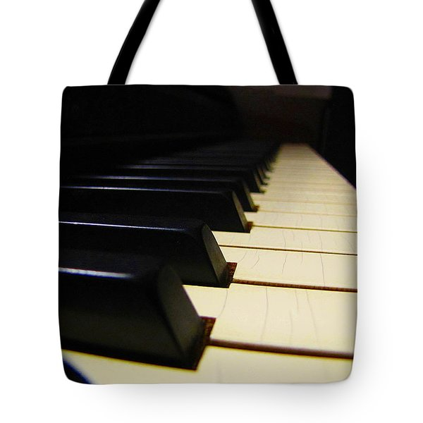 Tote Bag featuring the photograph Moment Of Silence by Greg Simmons