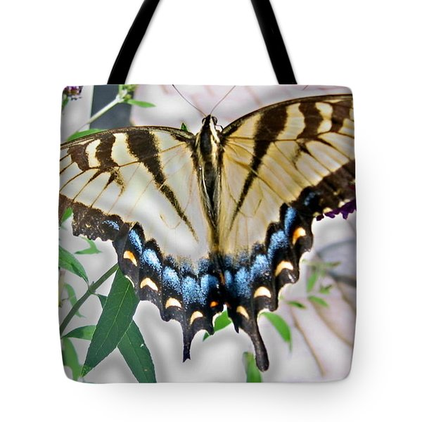 Tote Bag featuring the photograph Monarch Majesty by Judith Morris
