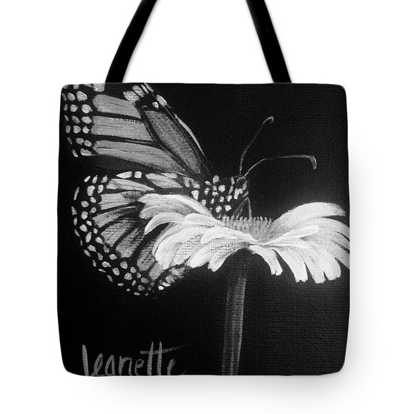 Monarch On A Daisy Tote Bag