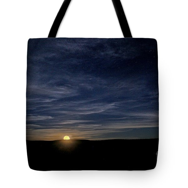 Tote Bag featuring the photograph Moonrise In New Mexico by Martin Konopacki