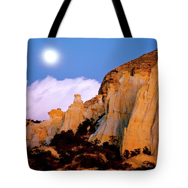 Moonrise Over The Kaiparowits Plateau Utah Tote Bag by Ed  Riche