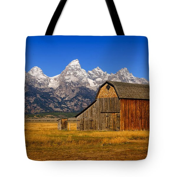 Tote Bag featuring the photograph Murphy Barn by Greg Norrell